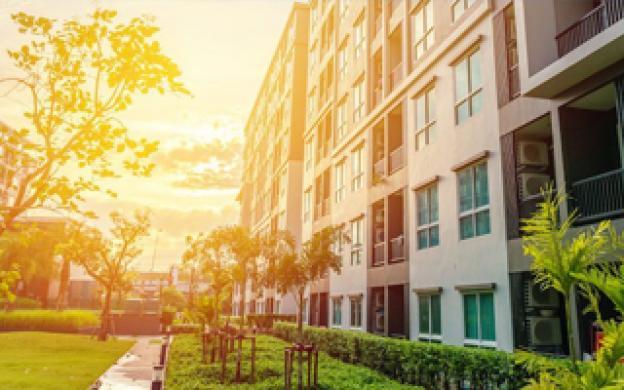 Comment éclairer l'extérieur des complexes d'appartement ?