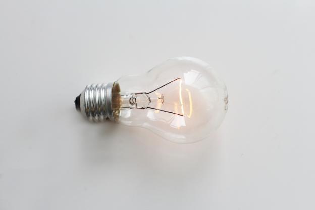 Pourquoi mon ampoule clignote ?