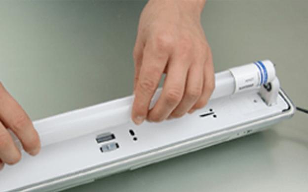 Comment remplacer vos tubes fluorescents T8 par des tubes LED avec ballast conventionnel ?