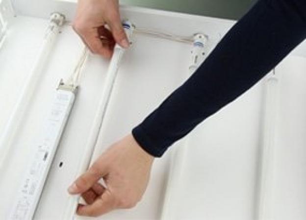 Comment installer un tube LED TL5 ?